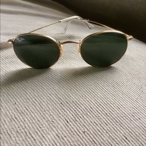 Ray-Ban Round Gold Classic
